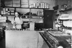 Arthur Knapp, Boot maker, 309 St Georges Road, North Fitzroy